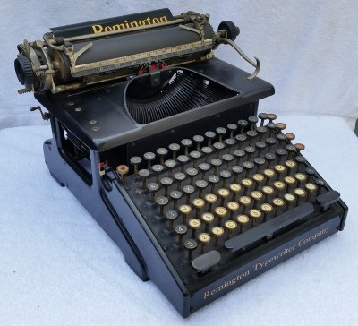 1917 Typewriter With Uppercase and Lowercase keys